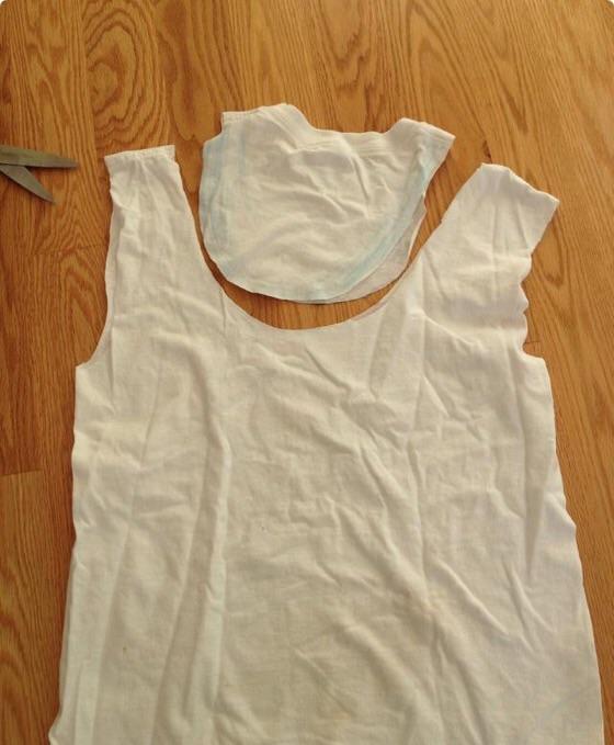 Lag et handlenett av en gammel t skjorte :) Smarte Ideer