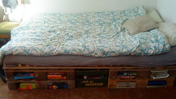 Trenger du seng? Så enkelt og BILLIG lager du din egen palleseng! - Smarte Ideer