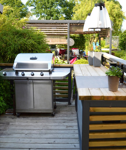 Outdoor Kitchen with stainless-steel gas grill